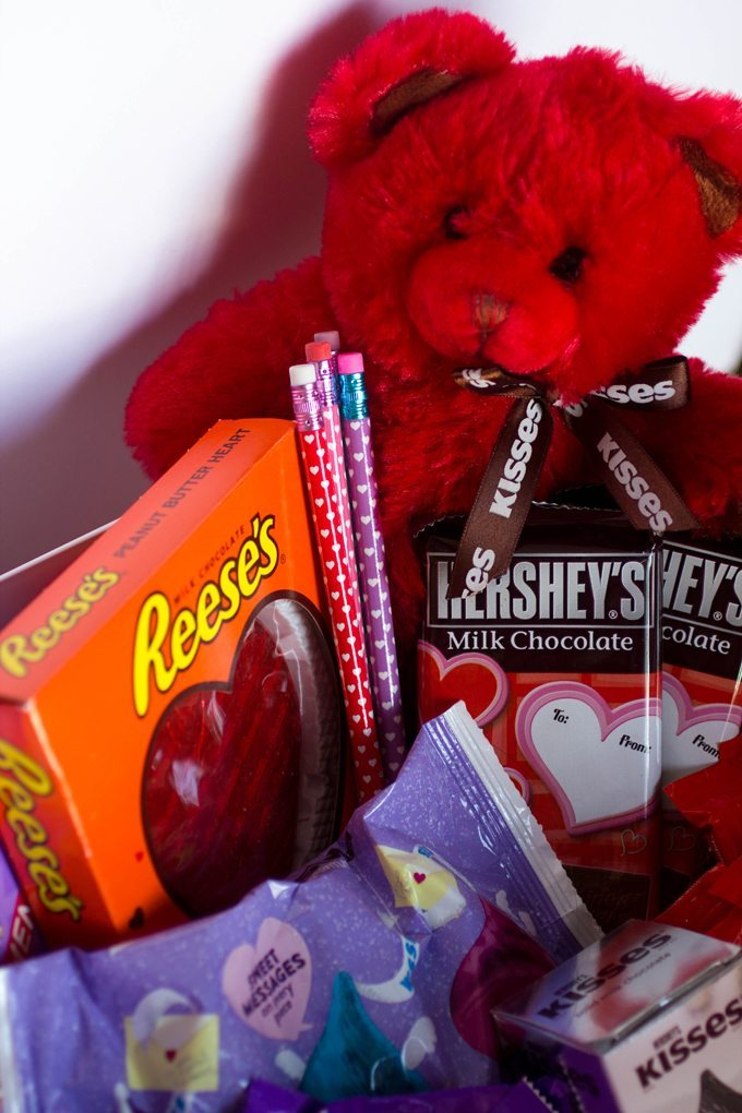 DIY Valentine's Day Gift Basket